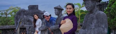 Ao dai photo tour - Hue traditional long dress - Hue Photo Tour
