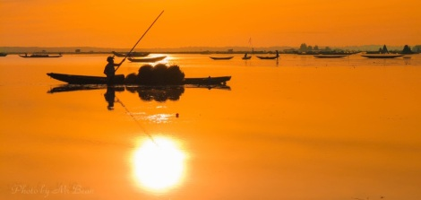 Fishing the Sun at Tam Giang lagoon