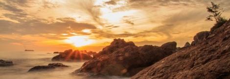 Sunrise at Ham Rong Beach, Hue vity, Vietnam