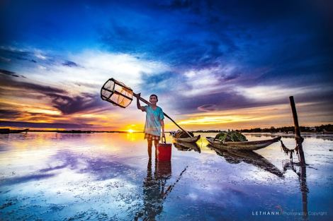 Sunrise Hue Photo at Tam Giang lagoon